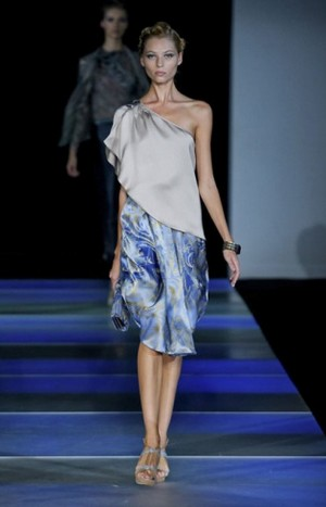 Armani-clothing-and-accessories-new-collection-spring-summer-image-3