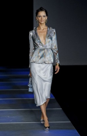 Armani-clothing-and-accessories-new-collection-spring-summer-image-4