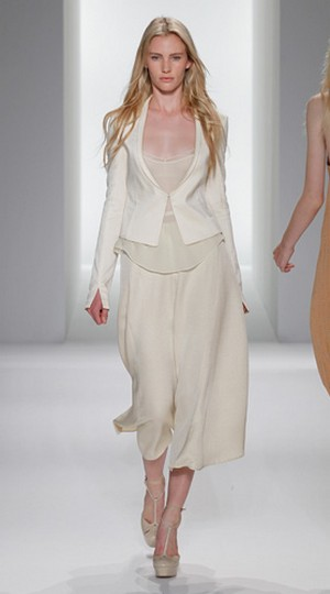 Calvin-Klein-clothing-new-collection-fashion-accessories-image-1
