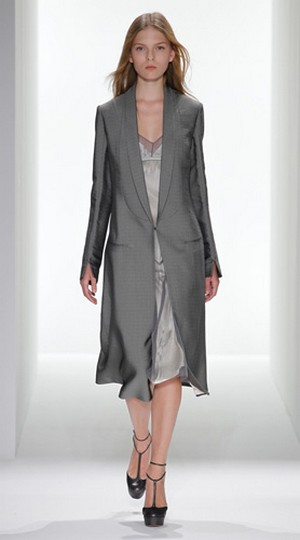 Calvin-Klein-clothing-new-collection-fashion-accessories-image-2