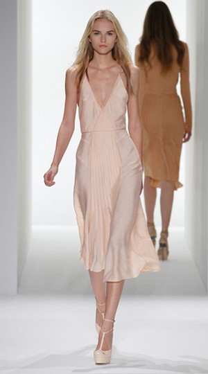 Calvin-Klein-clothing-new-collection-fashion-accessories-image-3