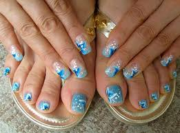 Recipes-and-beauty-tips-for-makeup-trends-summer-pedicure-image-3