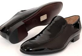 Bally-Shoe-fashion-brand-guide-online-products-new-trends-image-1