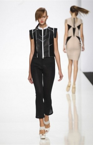 Byblos-clothing-for-women-new-collection-fashion-accessories-image-3