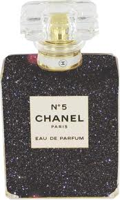 Chanel-fashion-brand-collection-new-trends-clothing-bags-image-2