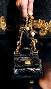 Dolce--Gabbana-fashion-brand-collection-trends-accessories-image-2