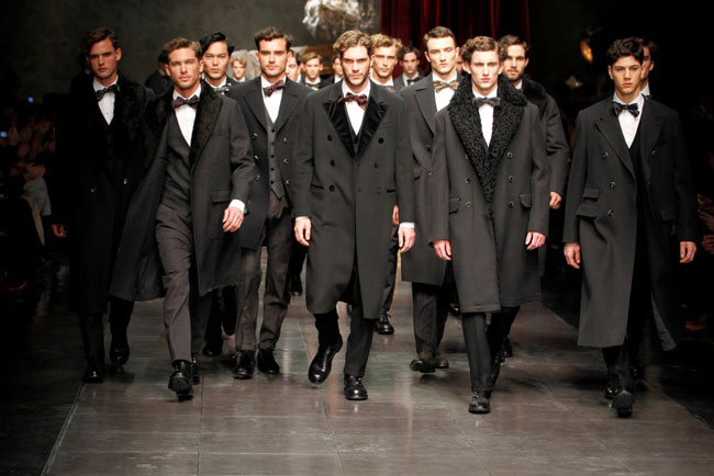 Dolce--Gabbana-fashion-brand-collection-trends-accessories-image-3
