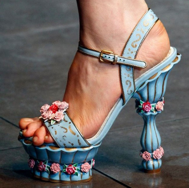 Dolce--Gabbana-fashion-brand-collection-trends-accessories-image-8