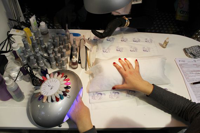 Beauty-Estrosa-gel-nail-polish-is-semipermanent-three-weeks-image-3