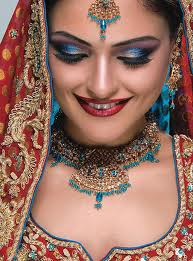 Guide-to-beauty-makeup-of-the-bridal-on-the-wedding-day-image-1