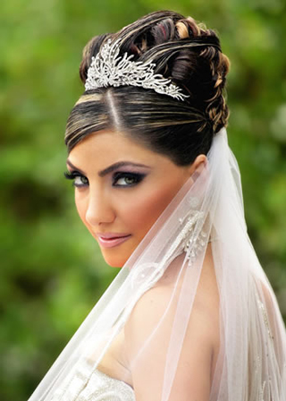 Guide-to-beauty-makeup-of-the-bridal-on-the-wedding-day-image-4