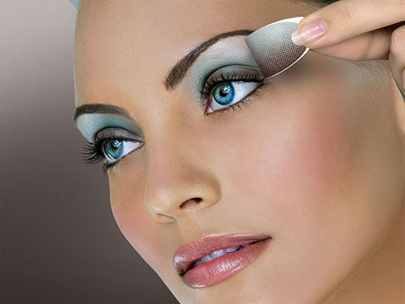 Guide-trends-of-beauty-for-makeup-women-look-Ice-Dreams-image-6