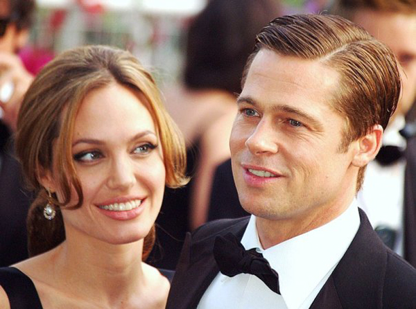 News-stars-surprise-marriage-Brad-Pitt-and-Angelina-Jolie-2