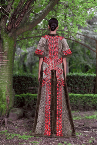 Givenchy-new-collection-autumn-winter-high-fashion-dresses-image-3