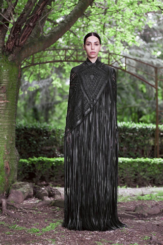 Givenchy-new-collection-autumn-winter-high-fashion-dresses-image-5