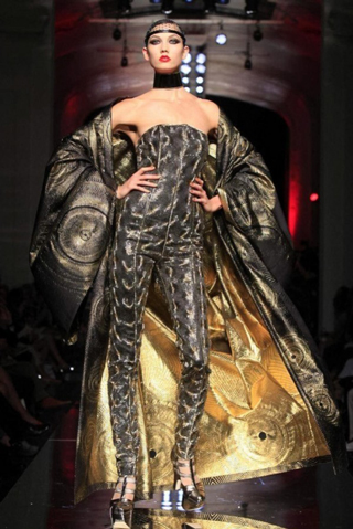 Jean-Paul-Gaultier-new-collection-autumn-winter-high-fashion-image-7