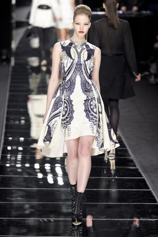 John-Richmond-new-collection-autumn-winter-fashion-dresses-image-9