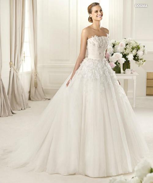 Last-collection-dresses-Pronovias-bridal-for-fashion-wedding-image-12
