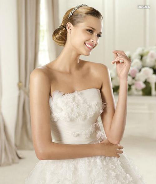 Last-collection-dresses-Pronovias-bridal-for-fashion-wedding-image-13