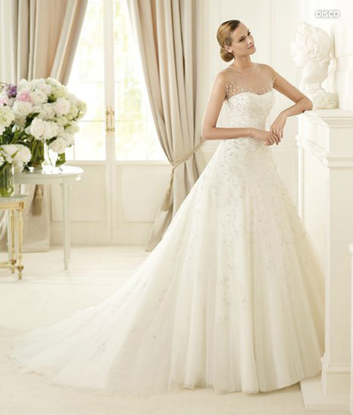 Last-collection-dresses-Pronovias-bridal-for-fashion-wedding-image-4