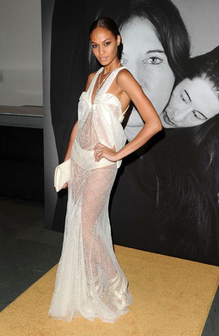Lifestyle-celebrity-news-top-model-Joan-Smalls-in-Givenchy-image-5