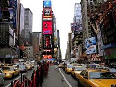 Lifestyle-top-model-Coco-Rocha-stops-traffic-in-Manhattan-image-1