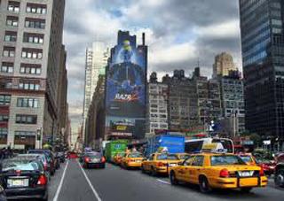 Lifestyle-top-model-Coco-Rocha-stops-traffic-in-Manhattan-image-2