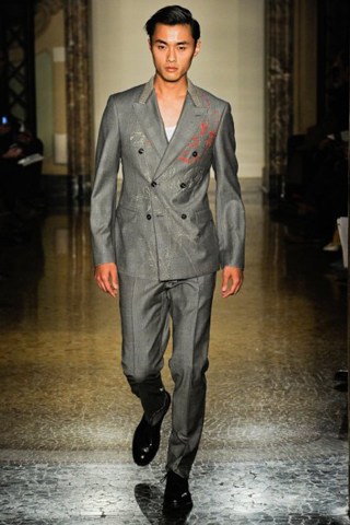 Moschino-for-men-new-collection-autumn-winter-fashion-trends-image-10