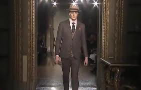 Moschino-for-men-new-collection-autumn-winter-fashion-trends-image-2