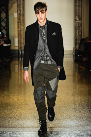 Moschino-for-men-new-collection-autumn-winter-fashion-trends-image-6