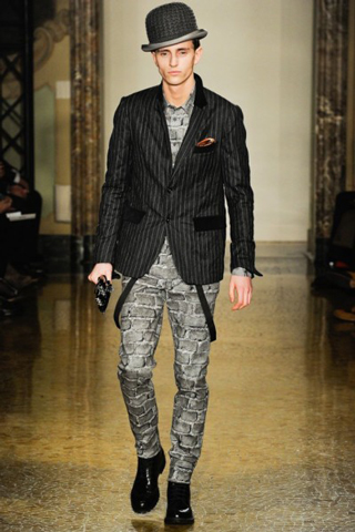 Moschino-for-men-new-collection-autumn-winter-fashion-trends-image-7