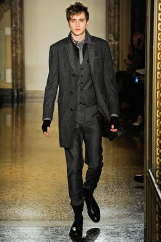 Moschino-for-men-new-collection-autumn-winter-fashion-trends-image-8