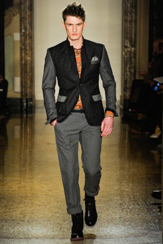 Moschino-for-men-new-collection-autumn-winter-fashion-trends-image-9