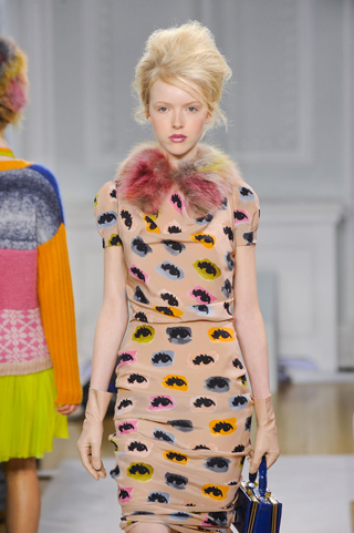 Moschino-new-collection-autumn-winter-high-fashion-dresses-image-6