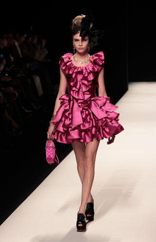Moschino-new-collection-autumn-winter-high-fashion-dresses-image-8