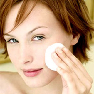 Beauty-tips-and-secrets-to-get-rejuvenate-the-skin-cleansing-image-5