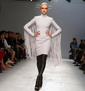 Gareth-Pugh-clothing-fashion-women-collection-spring-summer-image-1