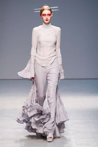 Gareth-Pugh-clothing-fashion-women-collection-spring-summer-image-10