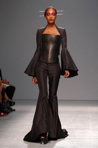 Gareth-Pugh-clothing-fashion-women-collection-spring-summer-image-4