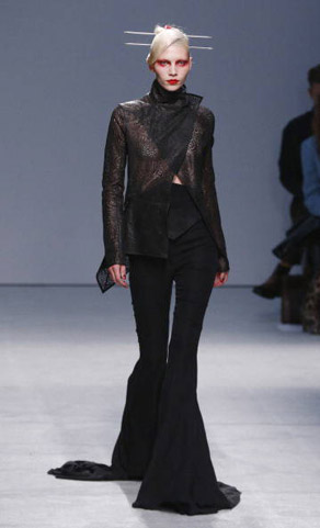 Gareth-Pugh-clothing-fashion-women-collection-spring-summer-image-5