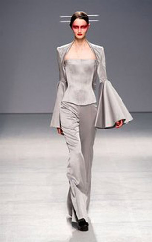 Gareth-Pugh-clothing-fashion-women-collection-spring-summer-image-8
