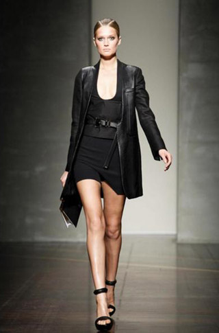 Gianfranco-Ferrè-fashion-women-new-collection-spring-summer-image-4
