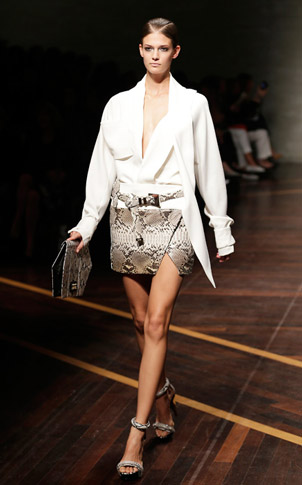 Gianfranco-Ferrè-fashion-women-new-collection-spring-summer-image-5