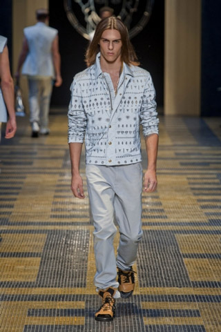 Versace-clothing-for-men-collection-spring-summer-fashion-image-9