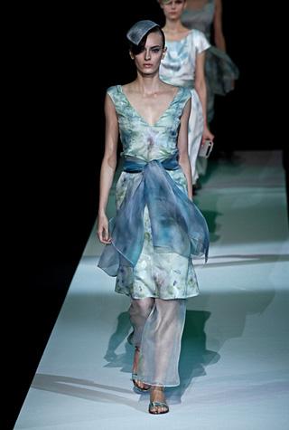 Giorgio-Armani-fashion-for-women-clothing-spring-summer-2013-image-4