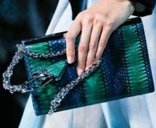 Giorgio-Armani-fashion-for-women-clothing-spring-summer-2013-image-9