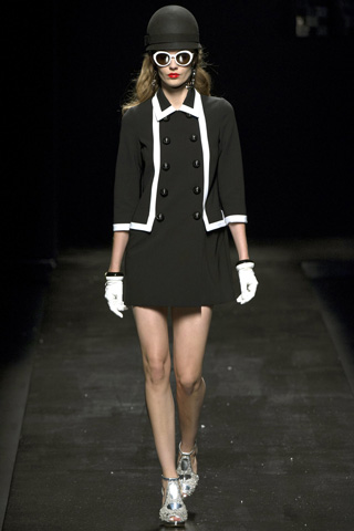 Moschino-fashion-new-collection-spring-summer-2013-women-picture-5
