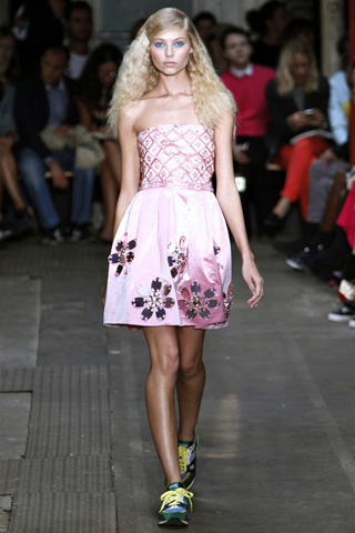 Moschino-fashion-new-collection-spring-summer-2013-women-picture-6