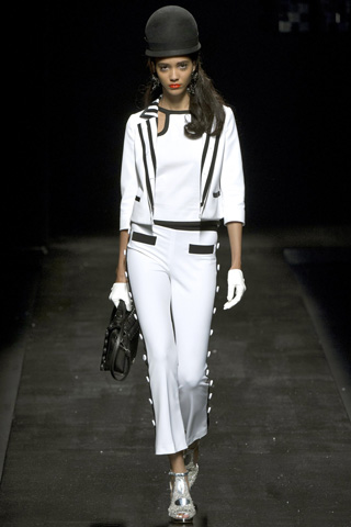 Moschino-fashion-new-collection-spring-summer-2013-women-picture-9