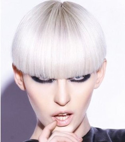 New-trends-in-hair-color-stylish-with-cutting-of-short-hair-image-2